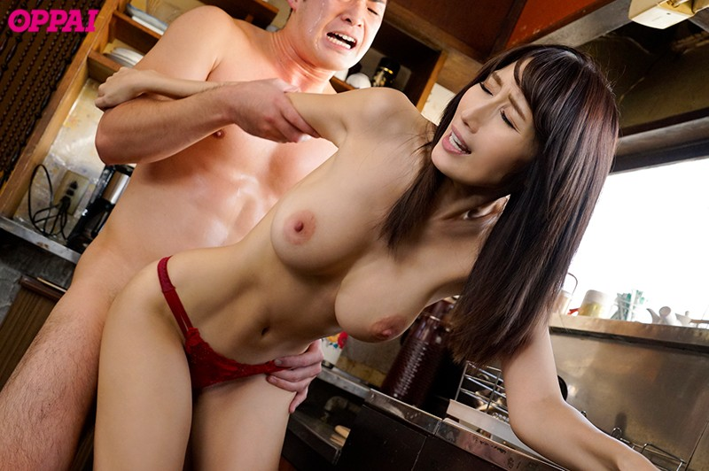 PPPD-743 A Busty Married Woman Who Runs A Popular Guesthouse